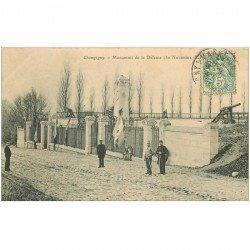 carte postale ancienne 94 CHAMPIGNY SUR MARNE. Monument de la Défense avec Militaires et Gardien vers 1904
