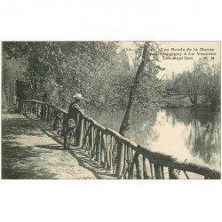 carte postale ancienne 94 CHAMPIGNY SUR MARNE A LA VARENNE. Les Sept Iles personnage