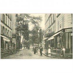 carte postale ancienne K. 92 BOIS-COLOMBES. La Rue de Colombes avec Facteur pour paiement des allocations
