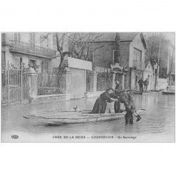 carte postale ancienne Inondation et Crue de 1910. COURBEVOIE 92. Un Sauvetage