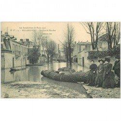 carte postale ancienne Inondation et Crue de 1910. BOULOGNE BILLANCOURT 92. Rue de Meudon