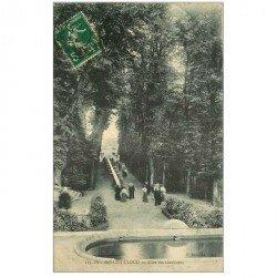carte postale ancienne 92 SAINT CLOUD. Parc Allées des Goulottes 1909
