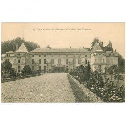 carte postale ancienne 92 RUEIL MALMAISON. Château Façade et Cour d'Honneur