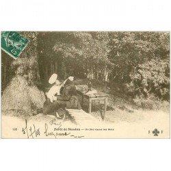 carte postale ancienne 92 MEUDON. Forêt. Un Nid d'amoureux dans les Bois 1908