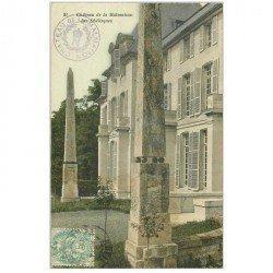 carte postale ancienne 92 LA MALMAISON. Obélisques du Château 1906