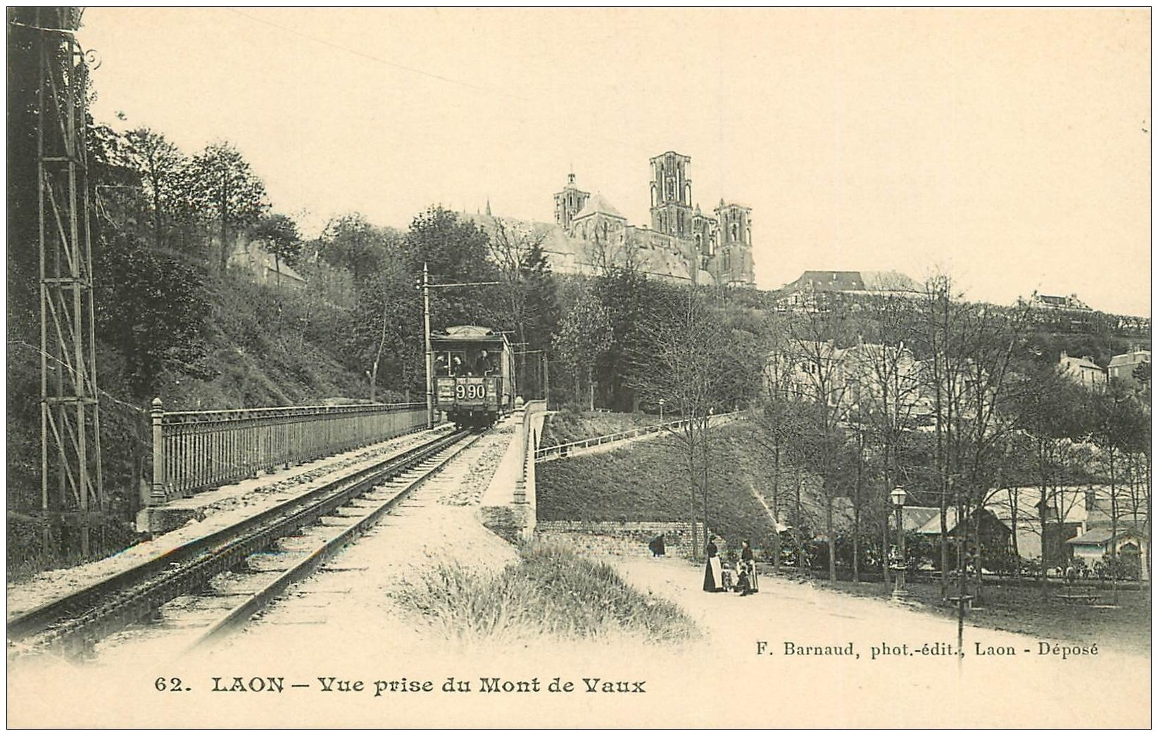 carte postale ancienne 02 LAON. Train Tramway Mont de Vaux