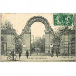 carte postale ancienne 92 ASNIERES SUR SEINE. Cimetière des Chiens. L'Entrée 1908