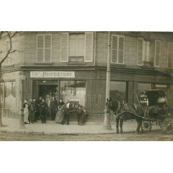 PARIS OU BANLIEUE. Bel attelage devant le Café billard Zurbach. Photo carte postale ancienne