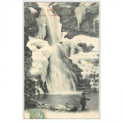 carte postale ancienne 04 COLMARS-LES-ALPES. Pêcheur Cascade de la Lance 1906
