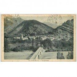 carte postale ancienne 04 LA JAVIE. Le pont vers le Village 1929 (timbre manquant)...