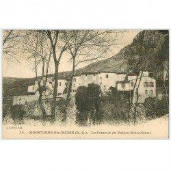 carte postale ancienne 04 MOUSTIERS-SAINTE-MARIE. Sommet du Vallon Notre-Dame. Cafés du Midi et de la Cascade