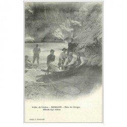 carte postale ancienne 04 ROUGON. Passeur en barque dans les Gorges du Verdon. Carte pionnière vers 1900 vierge...