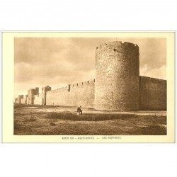 carte postale ancienne 30 AIGUES-MORTES. Remparts