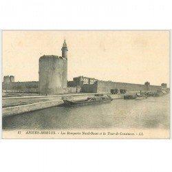 carte postale ancienne 30 AIGUES-MORTES. Remparts et Tour Constance