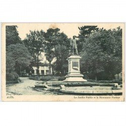 carte postale ancienne 30 ALAIS ou ALES. Pasteur Jardin Public 1942