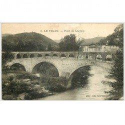 carte postale ancienne 30 LE VIGAN. Pont de Lacroix 1930. En l'état...