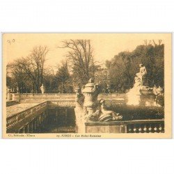 carte postale ancienne 30 NIMES. Bains Romains