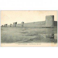 carte postale ancienne 30 AIGUES-MORTES. Les Remparts 1923