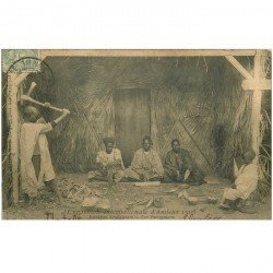 carte postale ancienne 80 AMIENS. Les Piroguiers du Village Sénégalais 1906. Exposition Internationale