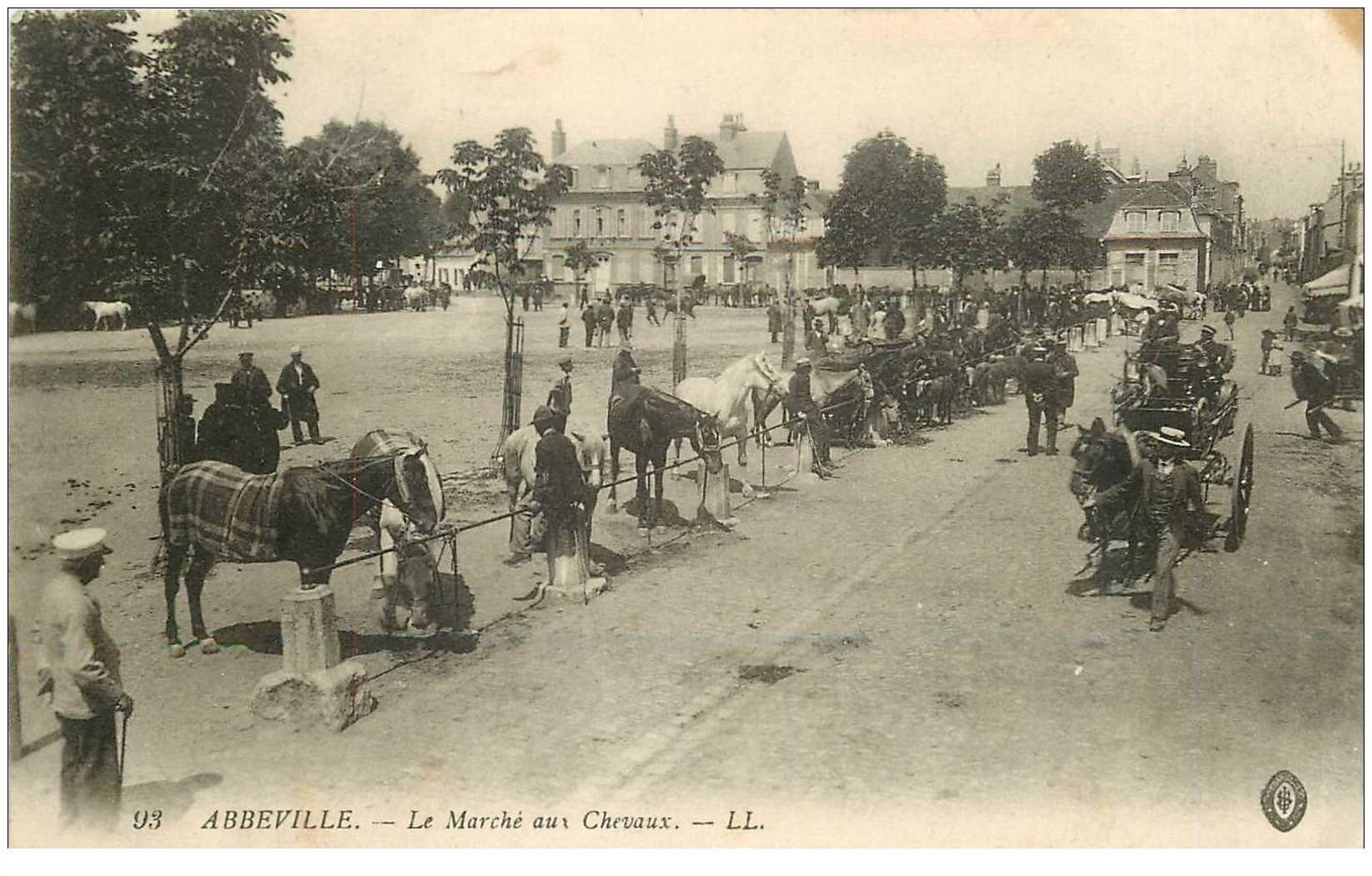 carte postale ancienne 80 ABBEVILLE. Le Marché aux Chevaux 1916