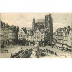 carte postale ancienne 80 ABBEVILLE. Place Courbet et Eglise Saint-Vulfran 1918 nombreux fiacres