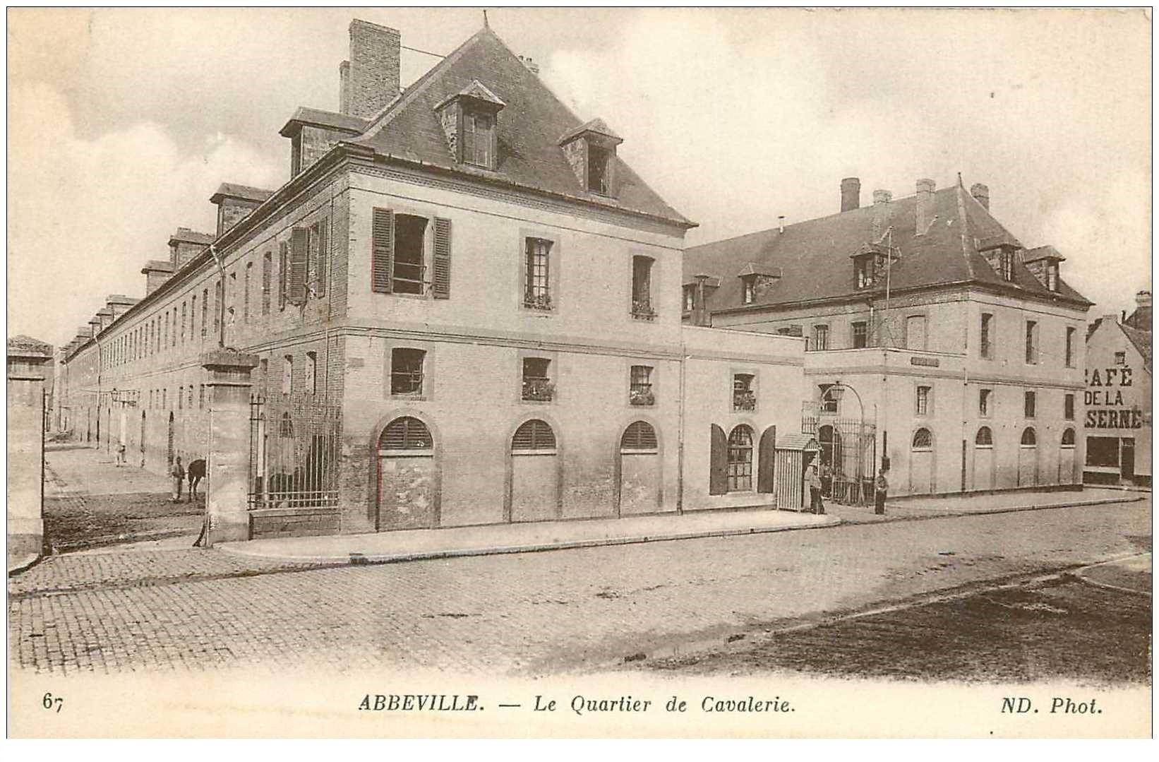 carte postale ancienne 80 ABBEVILLE. Quartier de Cavalerie Café de la Caserne