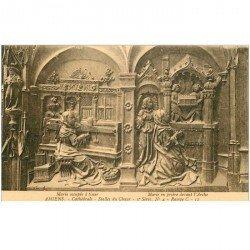 carte postale ancienne 80 AMIENS. Cathédrale Stalles du Choeur. Marie tisse