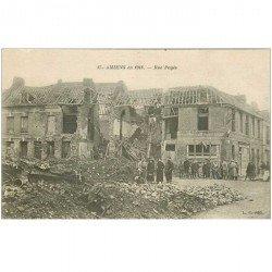 carte postale ancienne 80 AMIENS. Ruines Guerre 1914. Rue Pages animée