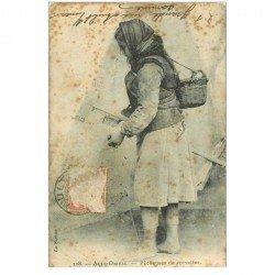 carte postale ancienne 80 AULT ONIVAL. Pêcheuse de Crevettes 1905. Métiers de la Mer (en l'état)...