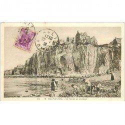 carte postale ancienne 80 AULT. La Plage et Falaise 1936
