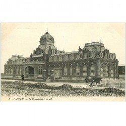 carte postale ancienne 80 CAYEUX-SUR-MER. Attelage au Palace Hôtel