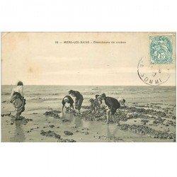 carte postale ancienne 80 CAYEUX-SUR-MER. Chercheurs de Crabes 1907