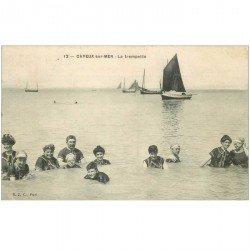 carte postale ancienne 80 CAYEUX-SUR-MER. La Trempette 1910 Baigneurs et Baigneuses en maillot de bain d'une pièce