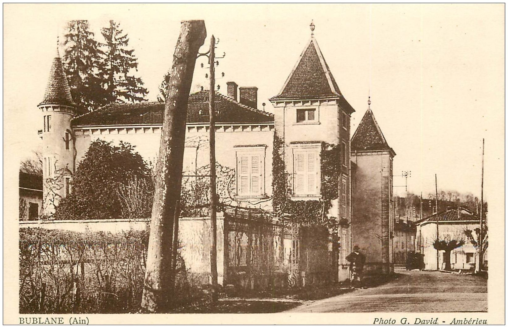 carte postale ancienne 01 Bublanc et Bublane. Manoir au Village vers 1940