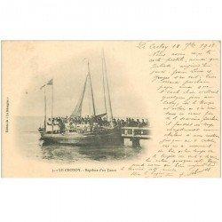carte postale ancienne 80 LE CROTOY. Baptême d'un Canot 1902. Pêcheurs et métiers de la Mer
