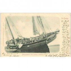 carte postale ancienne 80 LE CROTOY. Débarquement d'un bateau de Pêcheurs crotellois 1902. Métiers de la Mer