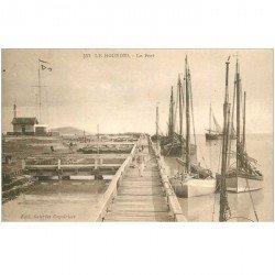 carte postale ancienne 80 LE HOURDEL. Le Port avec Bateaux de Pêche 1932