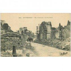carte postale ancienne 80 MONTDIDIER. Ruines Guerre 1914. Attelage Rue d'Amiens