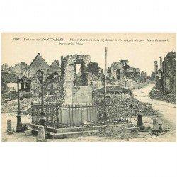 carte postale ancienne 80 MONTDIDIER. Ruines Guerre 1914. Place Parmentier Statue emportée par les Allemands...