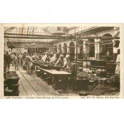 carte postale ancienne 84 APT. Fabrique de Fruits confits 1943 Ouvriers et Ouvrières. Vieux métiers