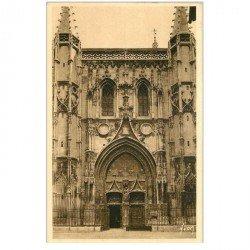 carte postale ancienne 84 AVIGNON. Façade Eglise Saint-Pierre