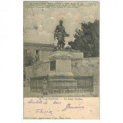 carte postale ancienne 84 AVIGNON. Jeune Fille au pied Statue Le Brave Crillon 1910