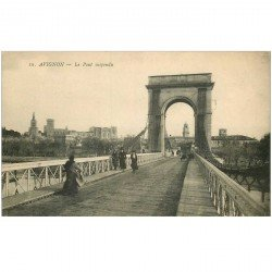 carte postale ancienne 84 AVIGNON. Pont suspendu animation