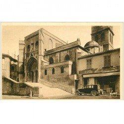 carte postale ancienne 84 AVIGNON. Voiture ancienne devant l'Eglise Saint-Agricol