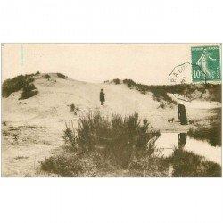 carte postale ancienne 85 AIGUILLON SUR MER. Les Dunes de la Faute 1923 Personnages et Chiens