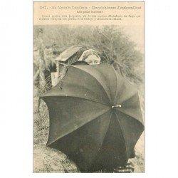 carte postale ancienne 85 AU MARAIS VENDEEN. Maraichinage d'aujourd'hui Femme et grande ombrelle