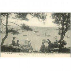 carte postale ancienne 85 ILE DE NOIRMOUTIER. . Coin de Sous Bois pour des Dames. Impeccable et vierge