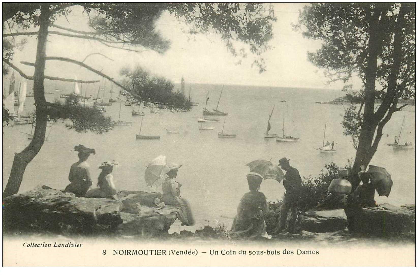 carte postale ancienne 85 ILE DE NOIRMOUTIER. . Coin de Sous Bois pour des Dames 1912