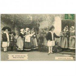 carte postale ancienne 85 ILE DE NOIRMOUTIER. Au Pays du Sel retour de Baptême des Paludiers