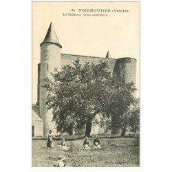 carte postale ancienne 85 ILE DE NOIRMOUTIER. Cour du Château